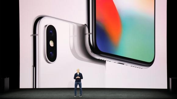 Tim Cook'tan iPhone X fiyatı yorumu!