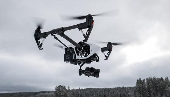 Kargo treni üzerinde drone ile akrobasi!