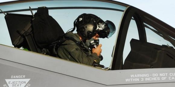 F-35 pilotlarına 400 bin dolarlık kask!