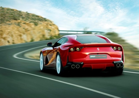 Ferrari 812 Superfast Türkiye fiyatı belli oldu!