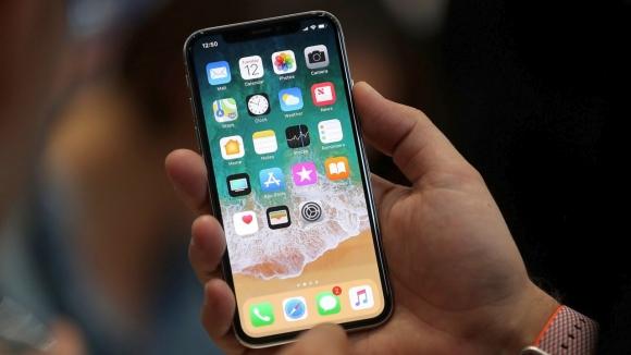 iPhone X mobilde beklentileri yükseltti