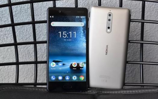 Nokia 8'in başına gelmeyen kalmadı!