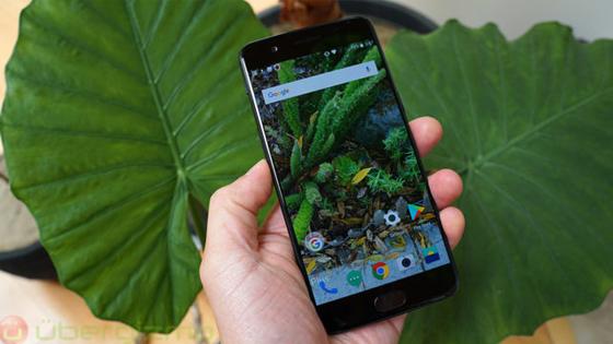 OnePlus 5T bekleyenlere kötü haber!