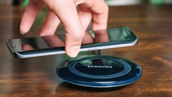Samsung kablosuz şarj istasyonunu genişletiyor!