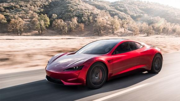 Tesla Roadster ve Tesla Semi neler sunuyor? (VİDEO)
