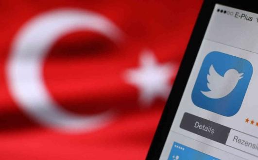 Türkiye'de sosyal medyaya kaç saatimizi harcıyoruz?