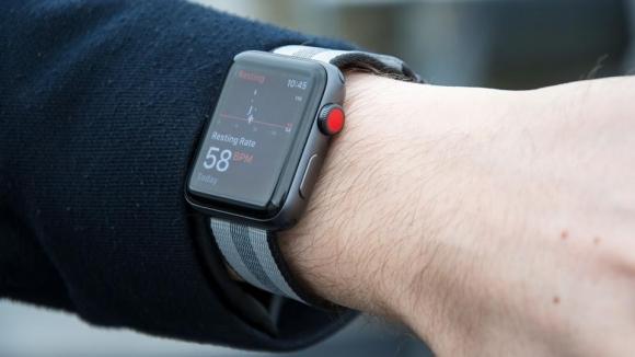 Apple Watch Series 3, hava durumunu sorunca çöküyor!