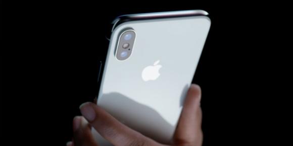 iPhone X'i 300 metreden düşürürseniz ne olur?