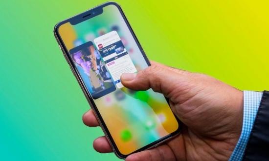 iPhone X en iyi ekrana sahip telefon!