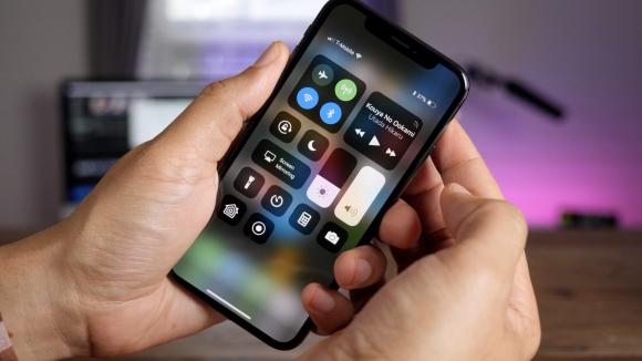 2018 iPhone modelleri LCD kullanabilir!
