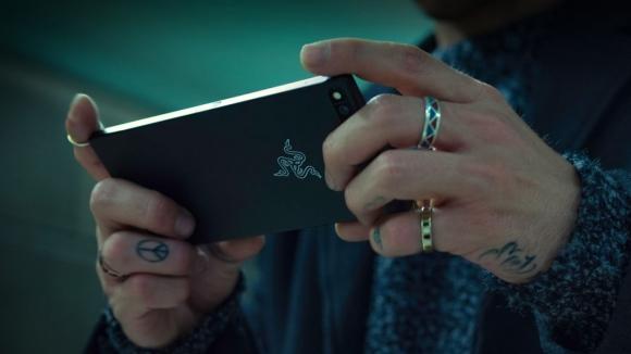 Razer Phone, Samsung Galaxy S8 Plus'tan üstün mü?
