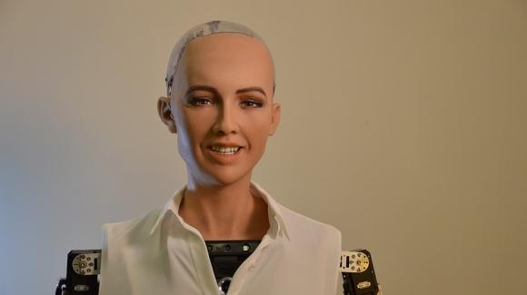 İlk robot vatandaş Sophia aile kurmak istiyor!