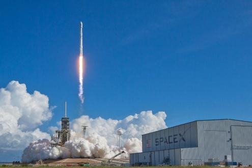 Elon Musk, ABD için uzaya gizli bir roket gönderiyor!