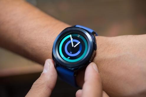 Samsung Gear Sport kutu açılışı (VİDEO)