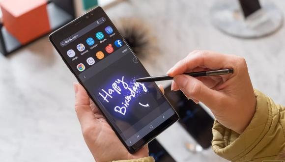 Onlarca Galaxy Note 8 kullanılamaz hale geldi!