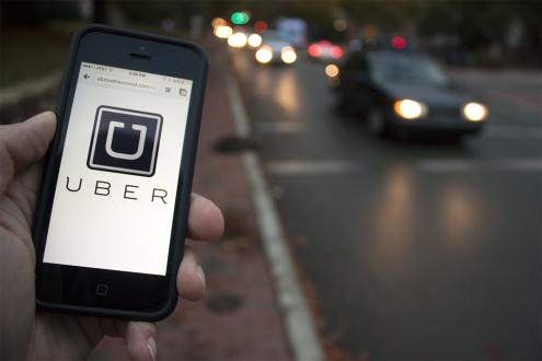 Taksiciler Uber çağırıp şoförü dövdü!