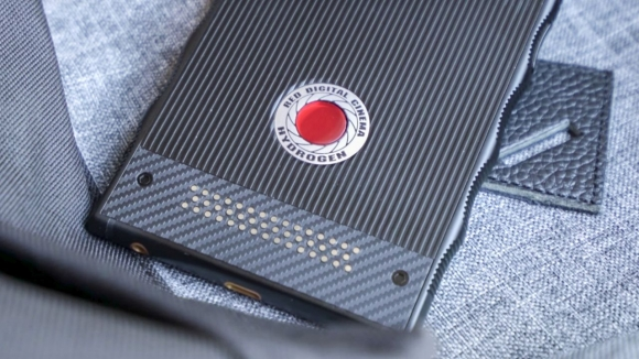 Holografik ekranlı telefon için tarih verildi!