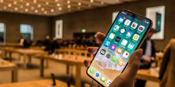 Kötü giden iPhone X satışları Samsung'u vurdu!