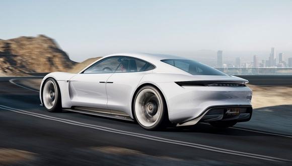 Porsche Mission E, Tesla'yı ikiye katlayacak!