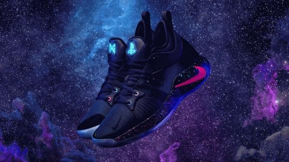 PlayStation temalı Nike spor ayakkabılar!