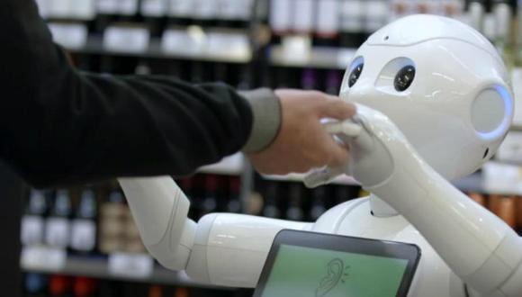 Robot asistan işten kovuldu!