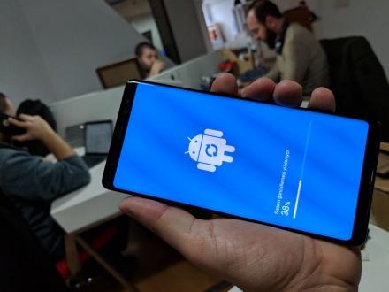 Galaxy Note 8 güncelleme aldı!
