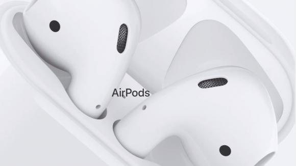 Apple AirPods 2 kablosuz kulaklıklar geliyor!
