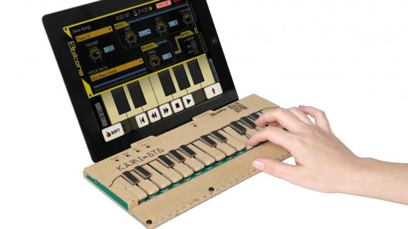 Kartondan piyano ile dilediğinizi çalın