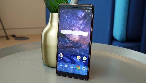 Nokia 7 Plus'ın başına gelmeyen kalmadı!