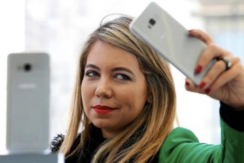 Galaxy S9, WhatsApp'a rakip olmaya hazırlanıyor!