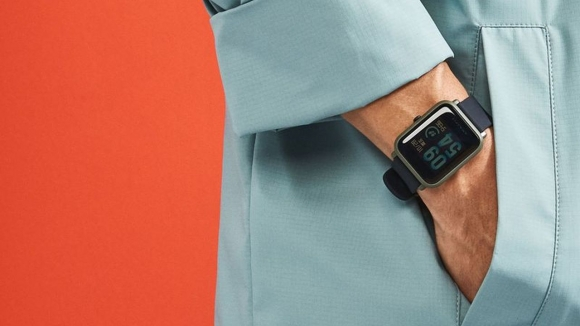 Şarjı 45 gün giden Apple Watch klonu!