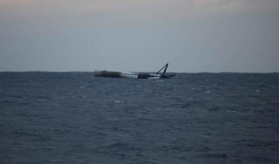 Falcon 9 okyanusa platformsuz indi ama parçalanmadı