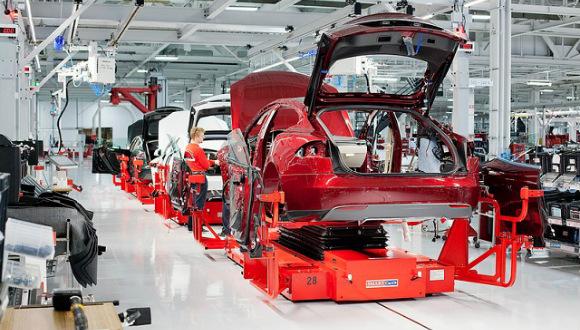 Tesla iş başvurusu sayısı dudak uçuklatıyor!