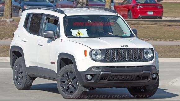 2019 Jeep Renegade için hibrit motor sürprizi!