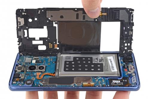 Samsung Galaxy S9 parçalarına ayrıldı!