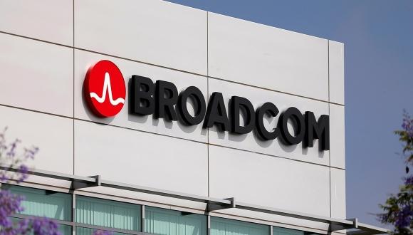 Broadcom, Trump engeli sonrasında pes etti!