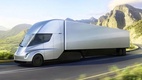 Tesla Semi ilk teslimatı için yola çıktı!