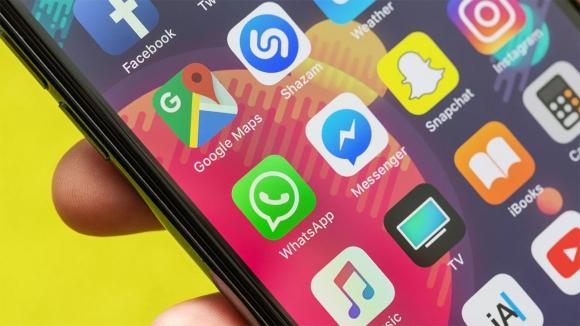 WhatsApp kurucusu Facebook'u silin dedi!