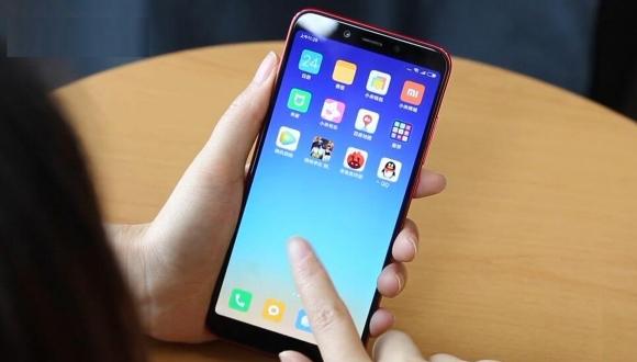 Xiaomi Mi A2 canlı canlı görüntülendi!