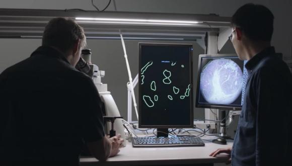 Akıllı mikroskop geliştirildi!