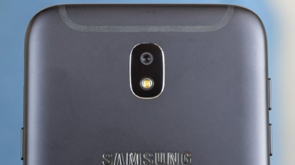 Galaxy J6 çerçevesiz tasarım ile geliyor!
