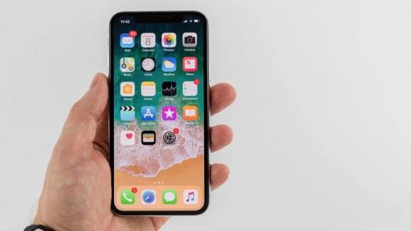 iPhone X satış karı ile rakiplerini ezdi geçti!