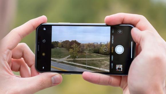 P20 Pro gibi 3 kameralı iPhone iddiası!