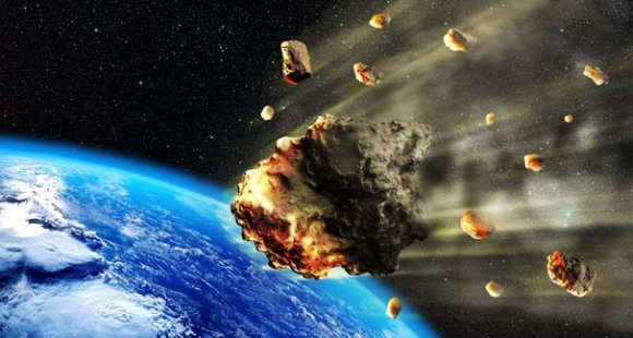 Dünya'ya yakın 900 asteroid uzayda kayboldu!