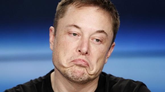 Elon Musk'tan şoke eden karar!