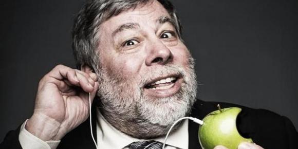 Apple'ın kurucusundan gizlilik açıklaması!
