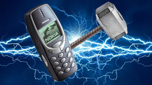 Nokia 3310 1 milyon volt yüke dayandı!