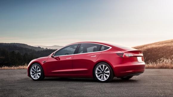 Tesla Model 3 sonunda ABD dışına açılıyor!