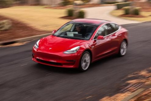 Tesla Model 3 Fren güncellemesi yayınlandı