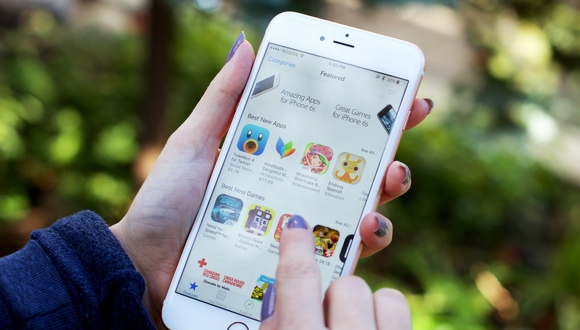 App Store kullanıcıları geçmişe götürüyor!